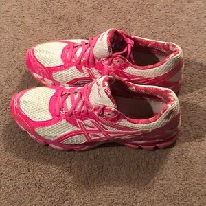 ASICS (pink and white breast cancer addition)